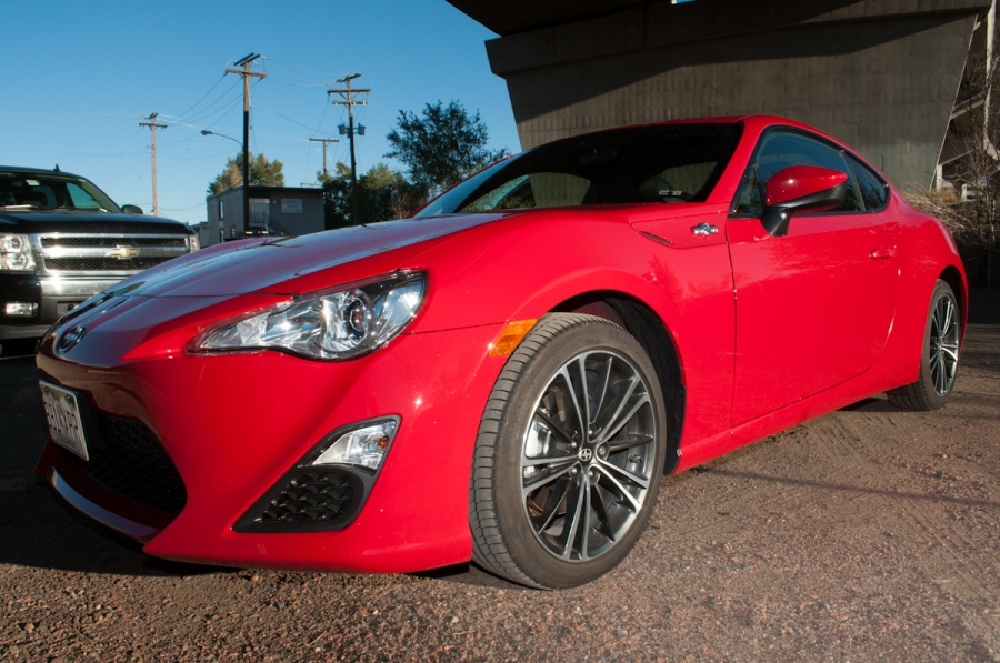 Behind the Wheel 2013 Scion FR-S Review ZipRage-7