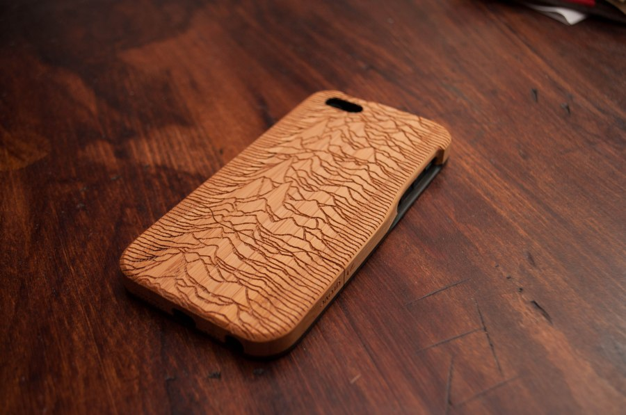 Grove Bamboo iPhone 5 Cover Review ZipRage-6